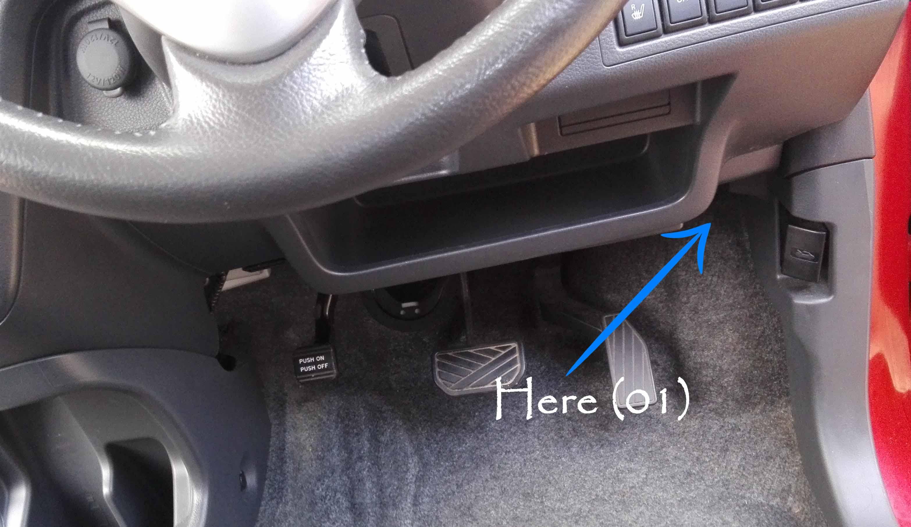 Suzuki WagonR Hybrid (Stingray) – Fuse design - Under the Steering wheel
